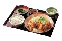 唐揚げと豚生姜焼き定食