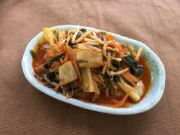 半日分の野菜が摂れる豚キムチ炒め