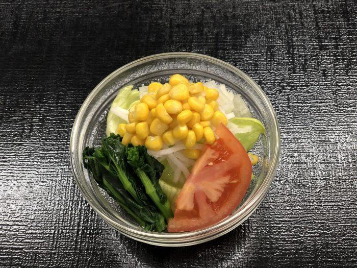 彩り野菜の春サラダ